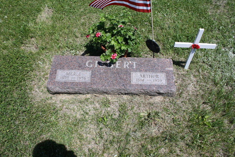 Merle Gilbert Grave Photo